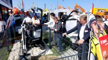 Products in Action ⑧ Bobcat Electric Mini-Excavator